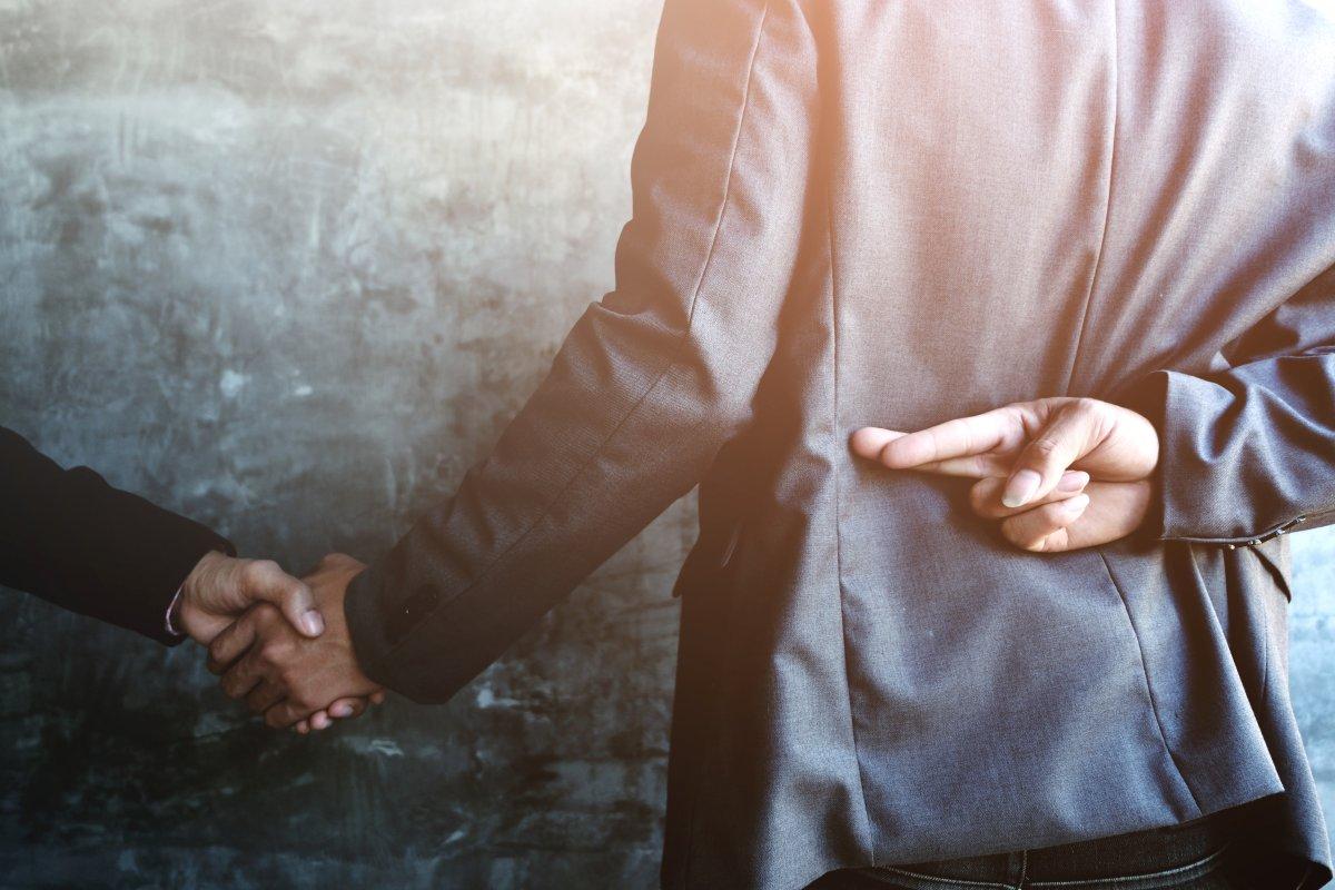 اعتماد در رابطه و دروغ